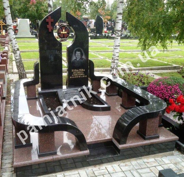 Надгробные памятники из гранита цена у официального производителя памятники 53 великий новгород