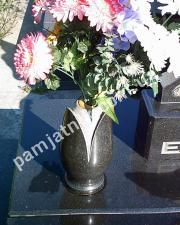 ваза из габбро тюльпан