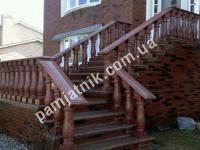 Лестница с балясинами из гранита