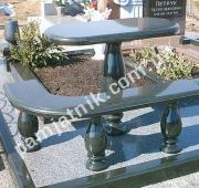 гранитный стол и угловая скамейка