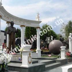 Памятник Лобановскому на Байковом кладбище