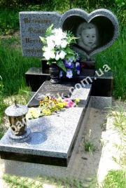 Памятник для младенца 0029 в форме сердца