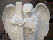 Ритуальная скульптура скорбящий ангел с крестом ck-001-04