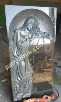 Скульптуры из гранита на могилу