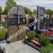 Обапол гранитный 160 на кладбище