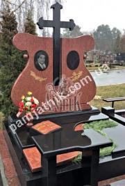 Двойной памятник с крестом 2-066 из лезниковского гранита и габбро