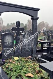 Двойной памятник с крестом 2-070 из гранита на могилу