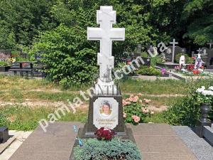 Эксклюзивный одинарный памятник с крестом из белого мрамора, модель 2-003