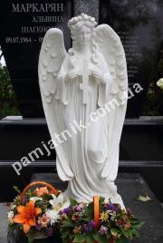Мраморная скульптура ангела 131