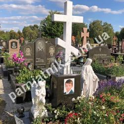 Одинарный памятник с мраморным крестом на могилу 2-004