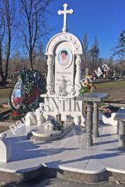 Эксклюзивный одинарный памятник с крестом из белого мрамора, модель 2-018