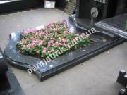 Фигурный цветочник на могилу 029