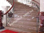 Гранитная лестница из красного камня