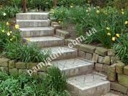 Вариант гранитной лестницы из брусчатки