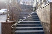 Гранитная лестница с накладными ступенями